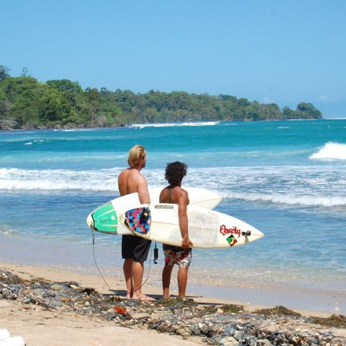 surf classes in panama